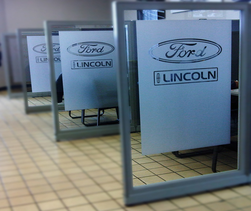 Lincoln Ford Divider Frosting
